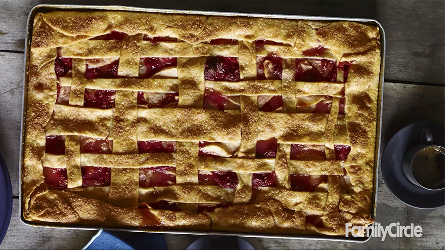 How To Make Apple-Raspberry Slab Pie