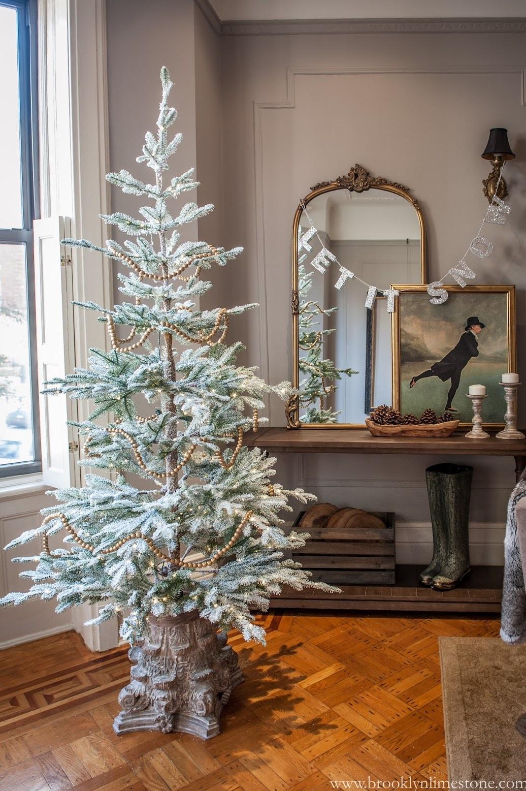 Simple Neutrals Christmas Tree