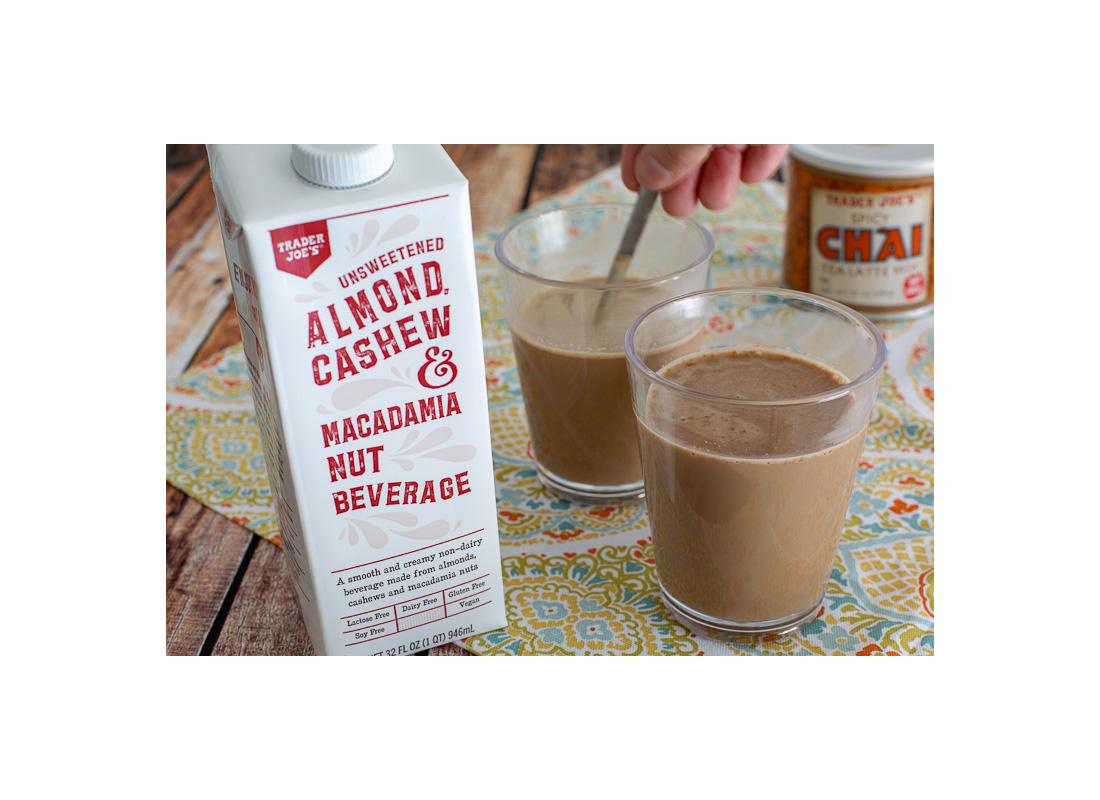 Trader Joe's Unsweetened Almond Cashew & Macadamia Nut Beverage