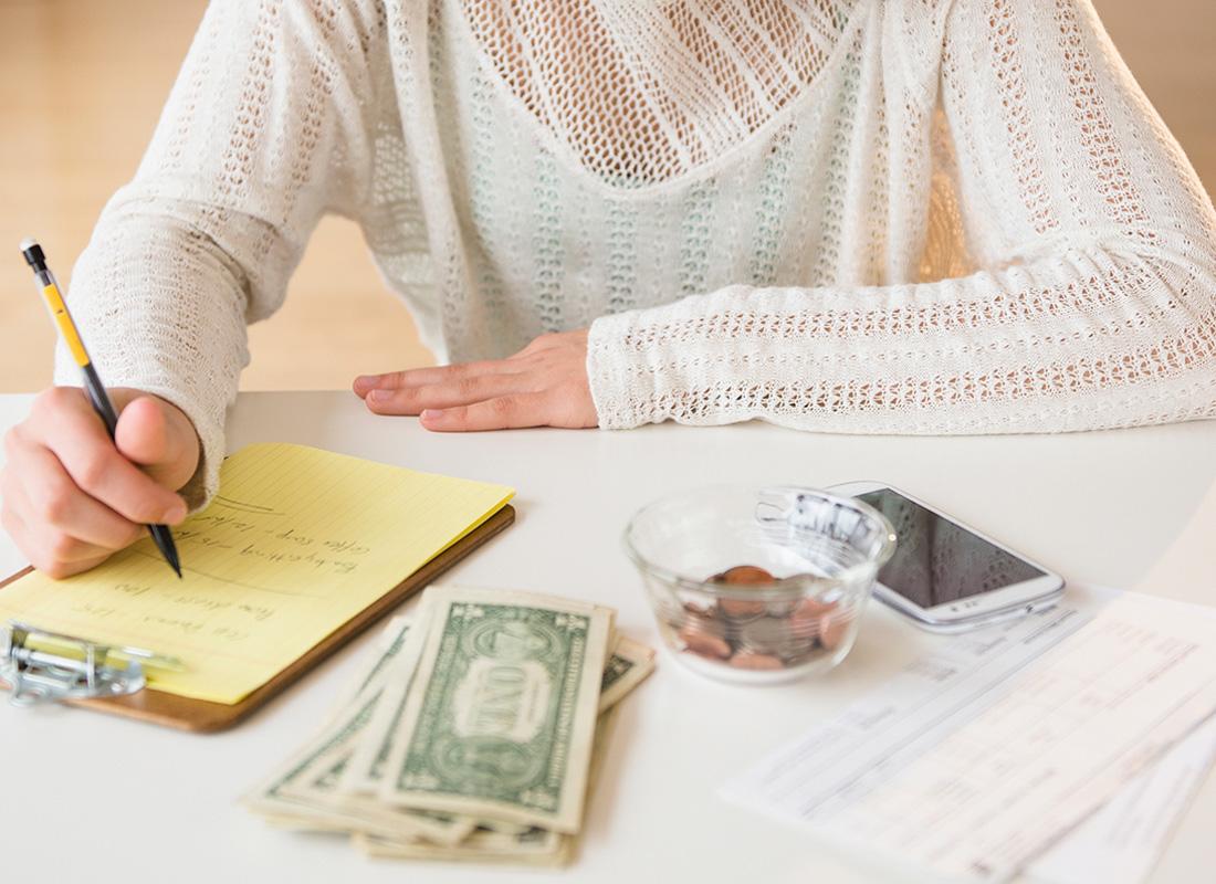 teen making a budget