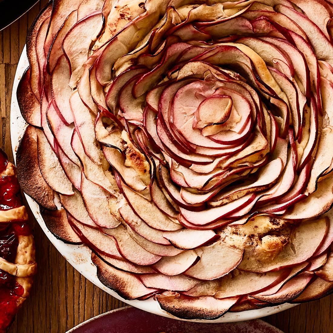 apple blossom pie detail