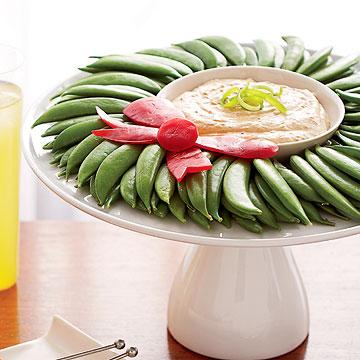 Sugar Snap Pea Wreath & Tangy Dip