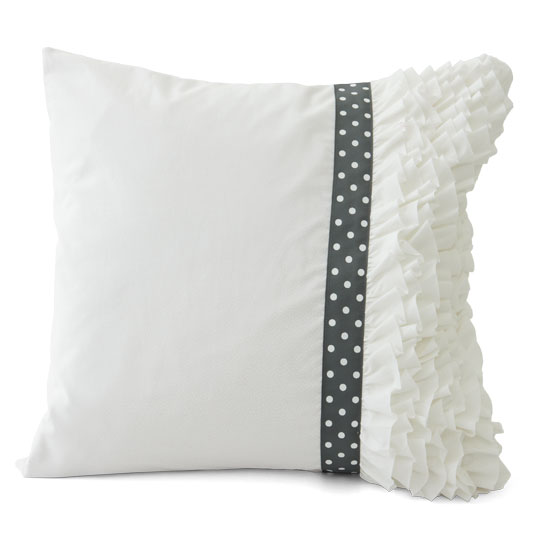 premade-ruffle-pillowlg_1.jpg
