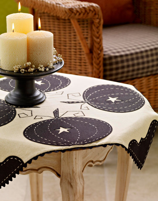 sophisticated-pumpkin-tableclothlg_1.jpg