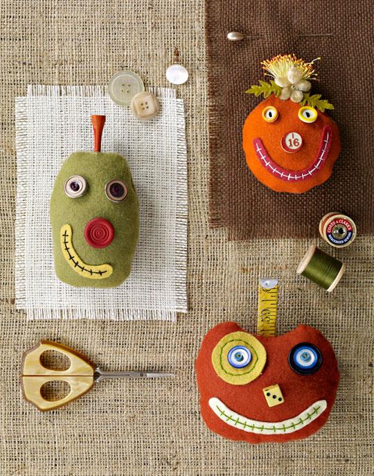 silly-pumpkin-pincushionslg_1.jpg
