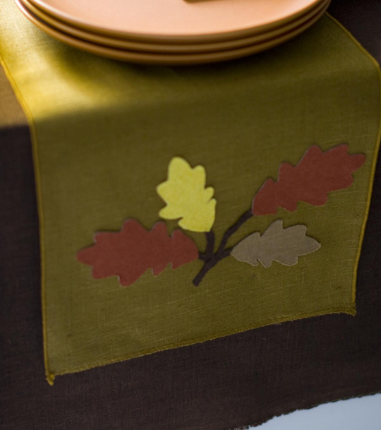Beautiful Leaves Table Runner