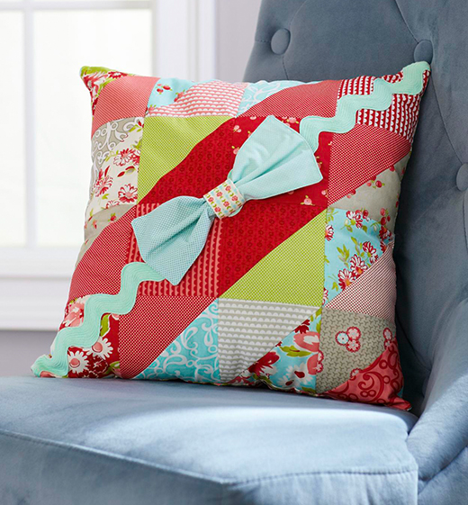 Rickrack and Bow Pillow