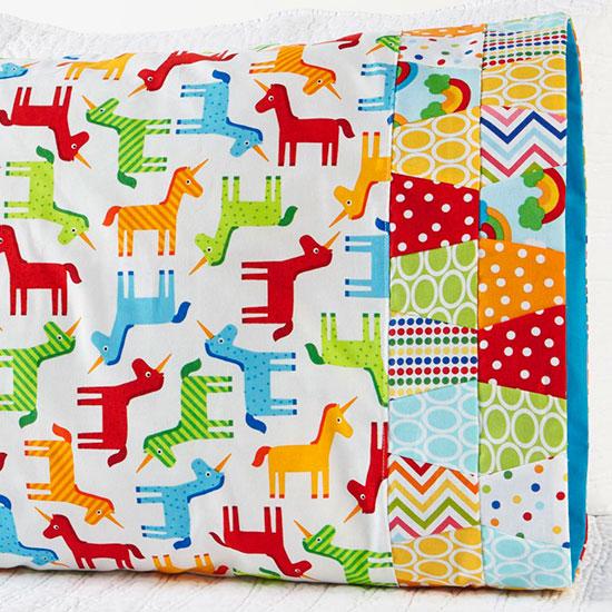 Robert Kaufman Fabrics - Pattern 40
