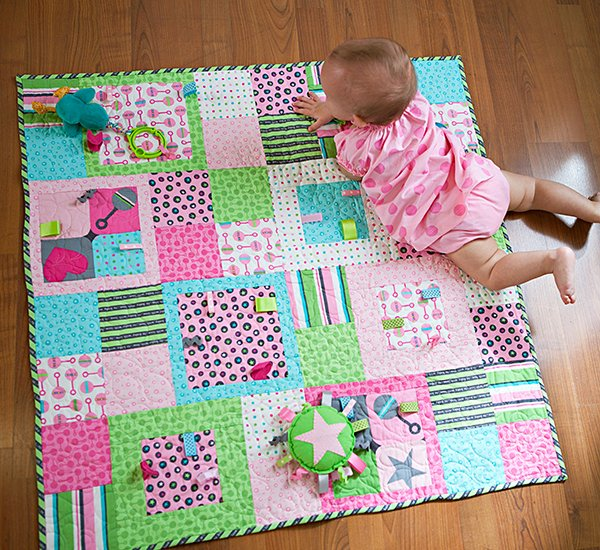 Top Baby Quilt: Playing Tag