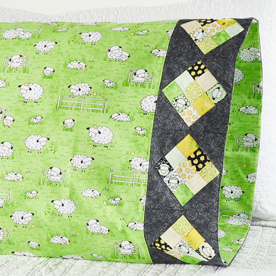 Quilting Treasures - Pillowcase 62 Nine-Patch