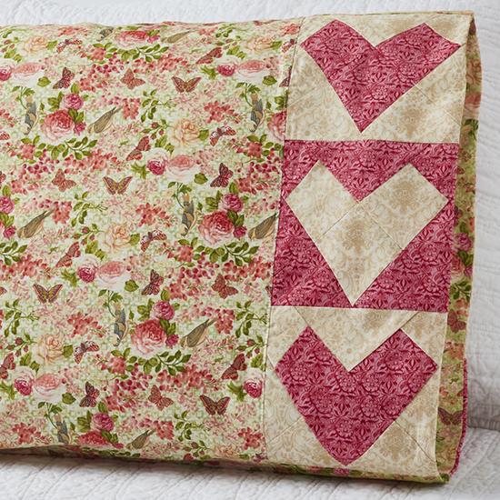 Paintbrush Studio - Pillowcase 69: Wonky Heart Band