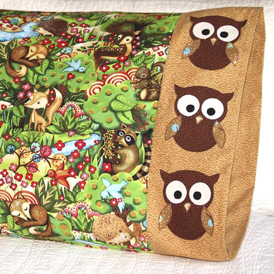 Paintbrush Studio - Pillowcase 67 Owl Appliqué