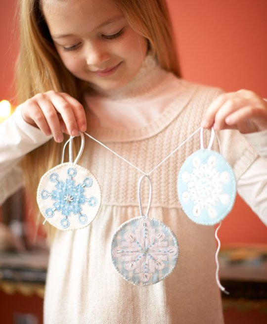 Top Winter Pattern: Icy Snowflakes