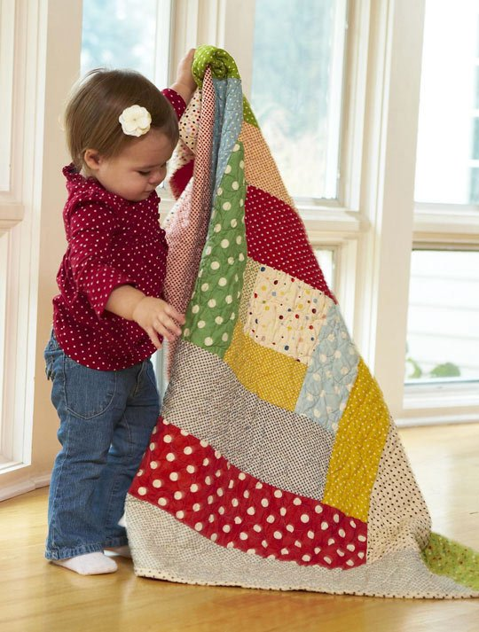 Top Baby Quilt: Around the Block