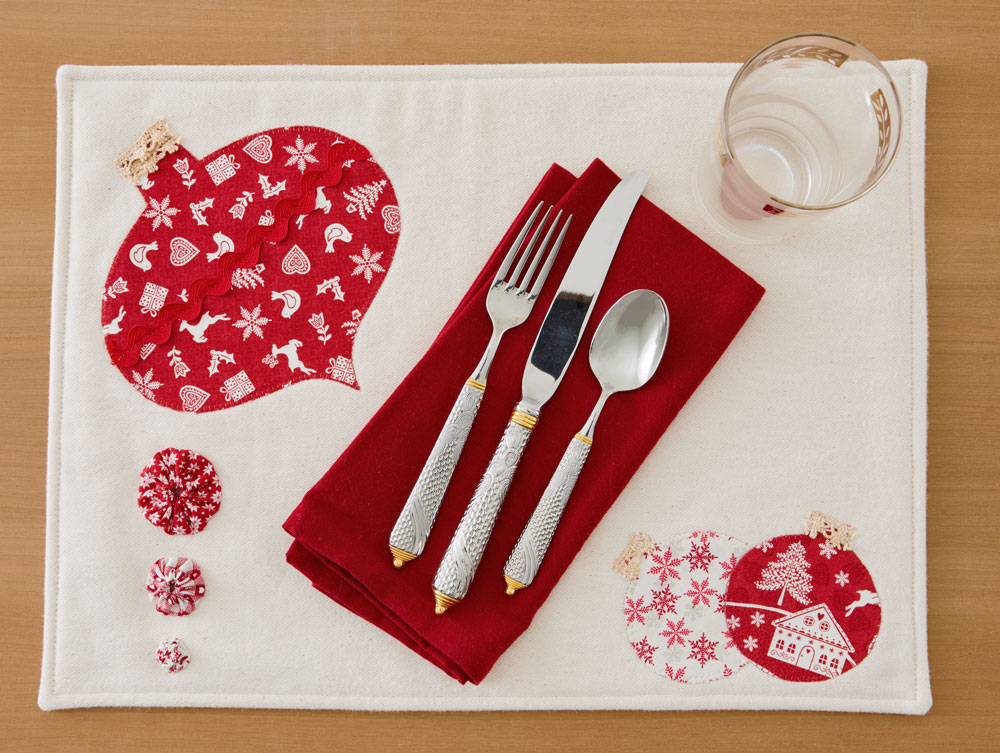 Holiday Appliqué Place Mat