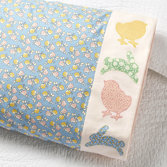 Riley Blake Designs - Pillowcase 79: Peep & Hop Appliqué