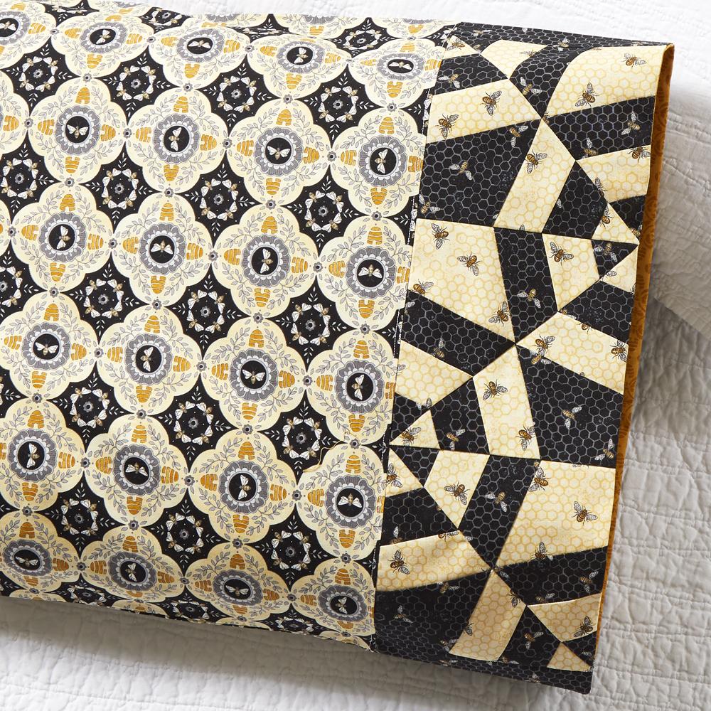 Moda Fabrics - Pillowcase 81: Tangled Web