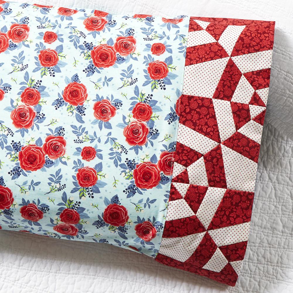 Riley Blake Designs - Pillowcase 81: Tangled Web