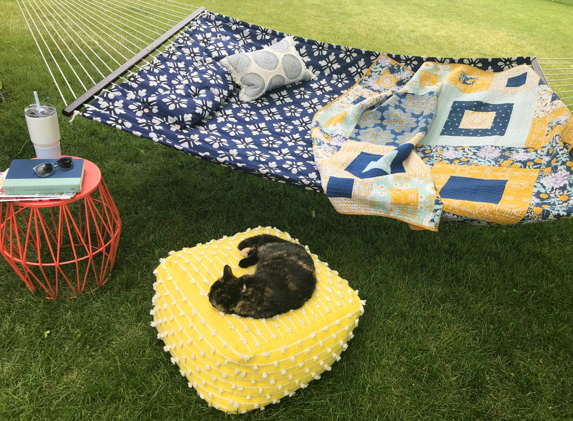 how to display quilts outdoors