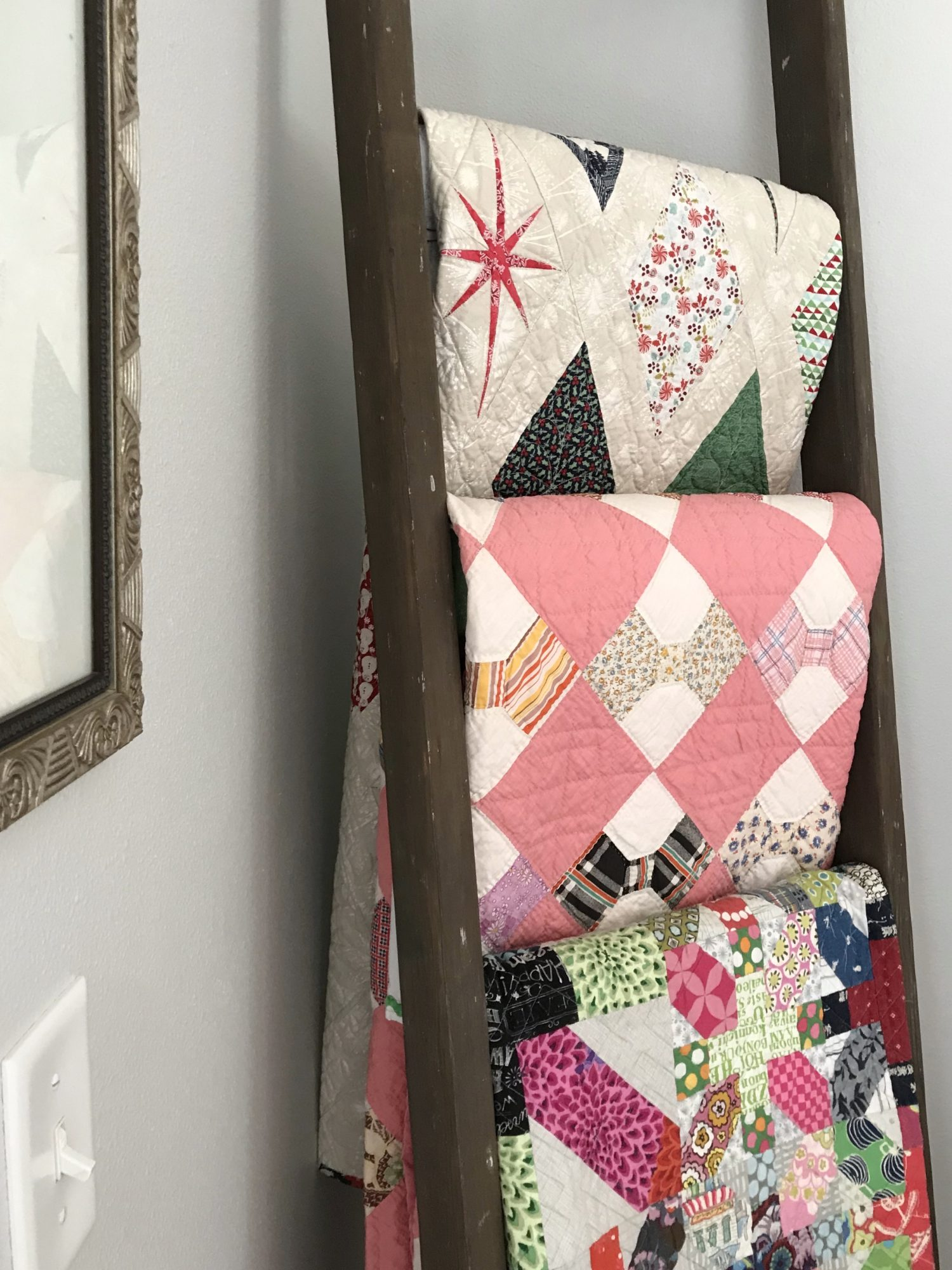 How to Style a Quilt Ladder
