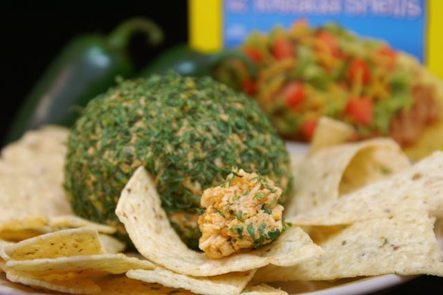 578010-Tailgating-Spicy-Taco-Cheese-Ball-216699-mis7up.jpg