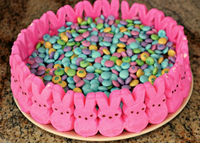 easter-candy-cake-with-peeps-photo-by-mrs-happy-homemaker-650x465