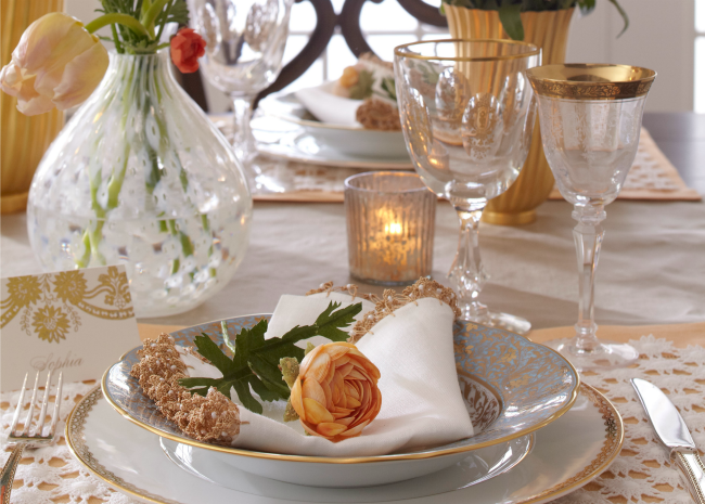 how to set a dinner table to impress your guests