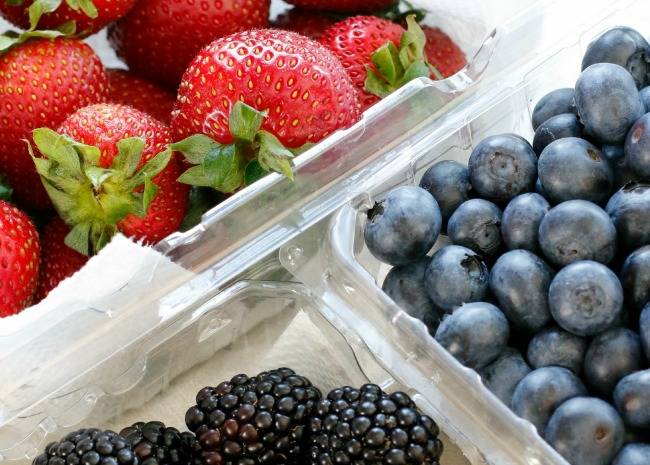 This Simple Trick Keeps Berries Fresh for Longer