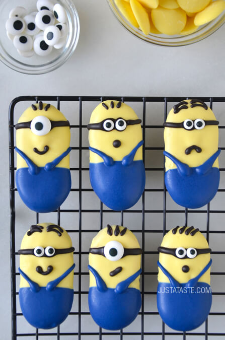No-Bake-Minions-Cookies-photo-by-Just-a-Taste.jpg