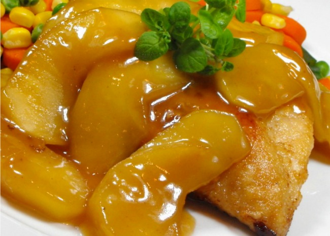 Easy Chicken Cutlets with Apples
