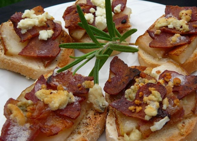 Blue Cheese, Bacon, and Pear Brunch Sandwiches