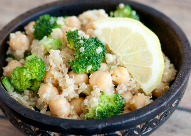 Garlicky Quinoa and Garbanzo Bean Salad