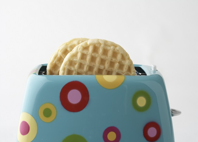 100928128 toaster waffles photo by Meredith Publishing