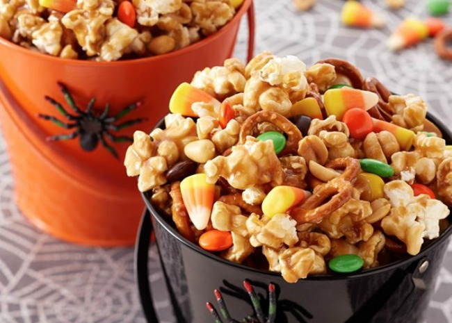 Trick or Treat Caramel Corn. Photo by Land o Lakes