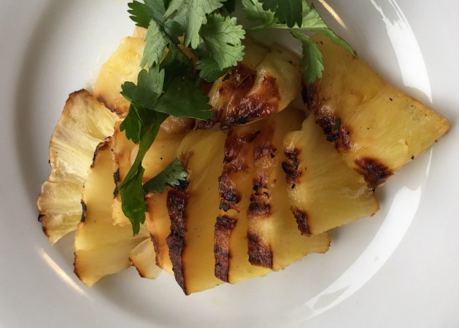 edited-grilled-pineapple-photo-by-leslie-kelly