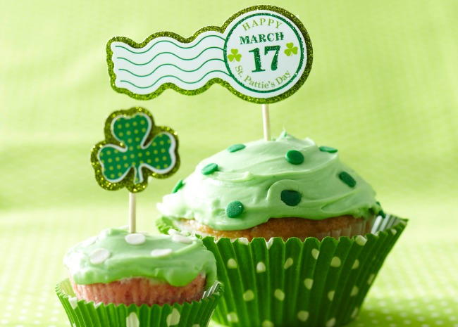 101972266-st-patricks-day-cupcakes-photo-by-meredith-650x465