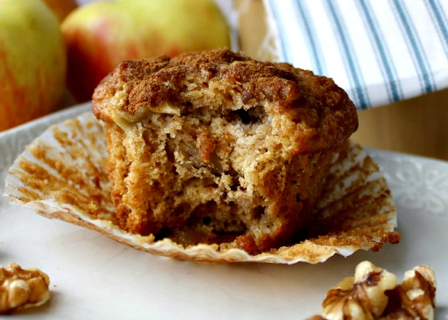 Apple Pie Muffins in muffin liners