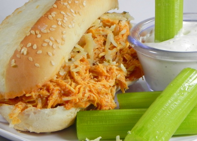 Slow Cooker Buffalo Chicken-sandwiches
