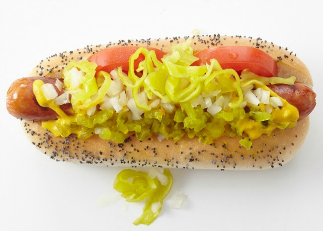 650-x-465-102201174-chicago-dog-by-meredith