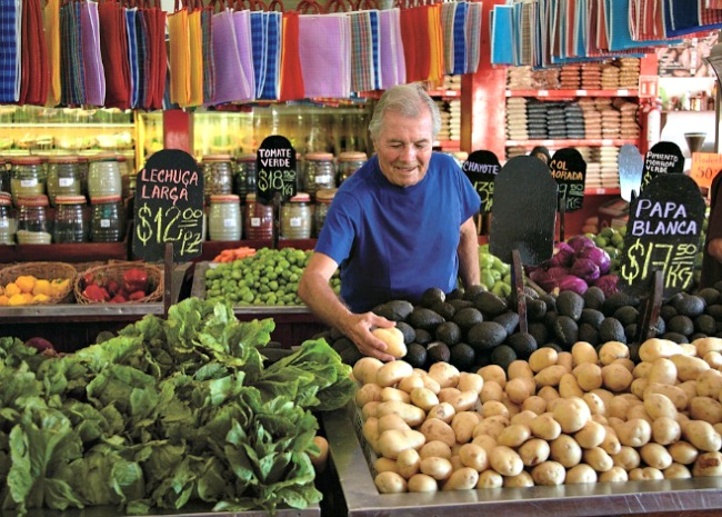 650-x-465-jacques-pepin-at-the-market