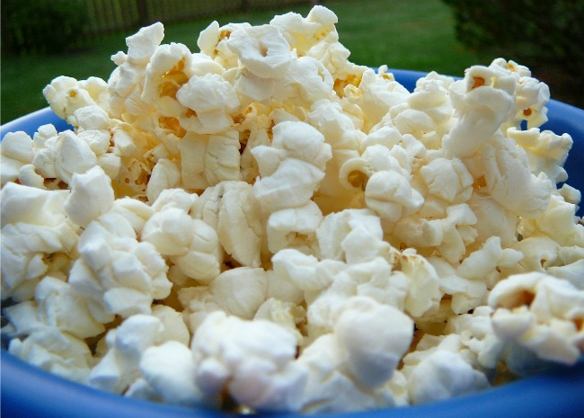 1403158_Gourmet Microwave Popcorn_Photo by Molly