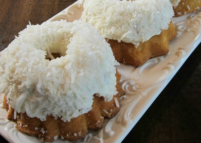 Aunt Connie's Coconut Cake