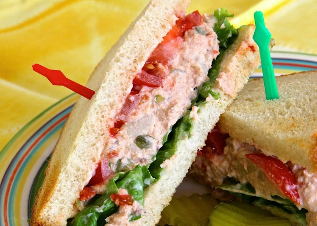 Spicy Salmon Salad Sandwiche