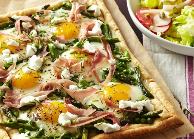 Asparagus and Egg Breakfast Pizza