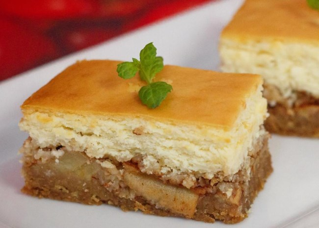 slices of Apple Crisp Cheesecake cut into rectangles
