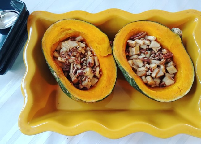 Buttercup Squash with Apples and Pecans