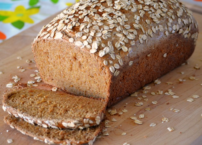 Old-Fashioned Oatmeal Brown Bread