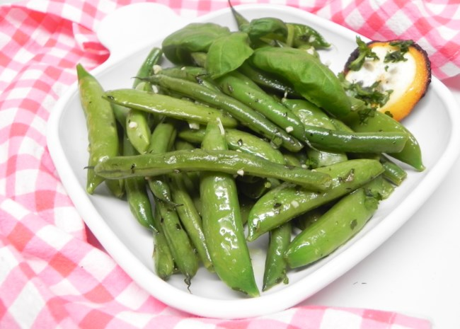 Sauteed Sugar Snap Peas and Green Beans | Photo by Soup Loving Nicole
