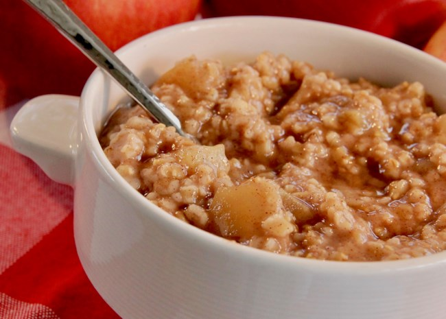 Instant Pot(R) Apple Pie Steel Cut Oats