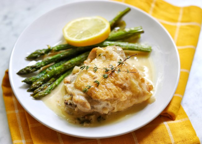 Instant Pot(R) Keto Chicken Thighs in Lemon-Garlic Cream Sauce